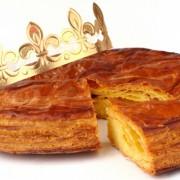 Galette des rois avec couronne
