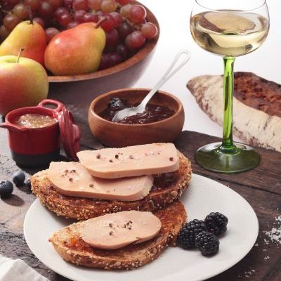 Foie gras et verre de vin